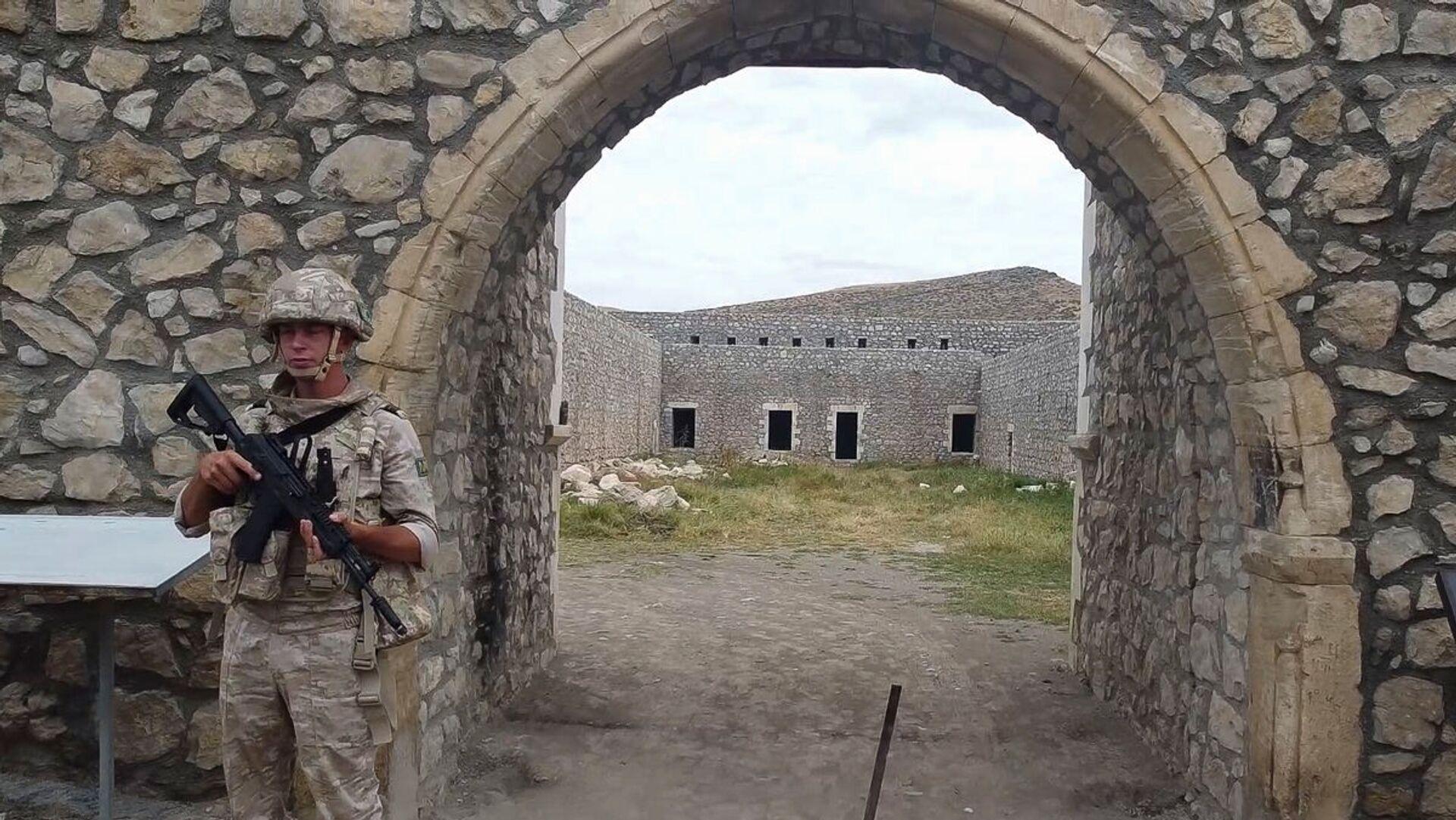 Российские миротворцы сопроводили более тысячи паломников и жителей Карабаха при посещении монастырского комплекса Амарас - Sputnik Արմենիա, 1920, 22.09.2021