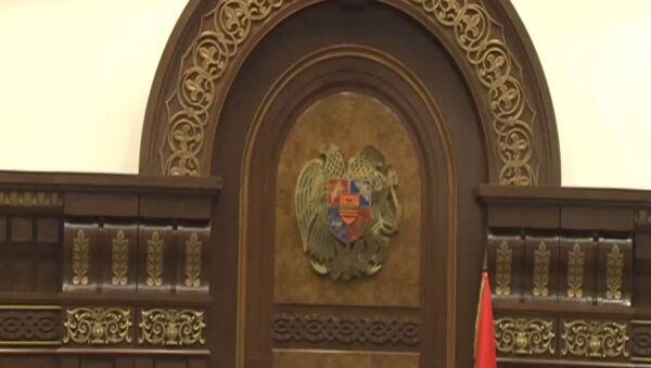 Рубен Рубинян ободряет Князя Хасанова - Sputnik Армения