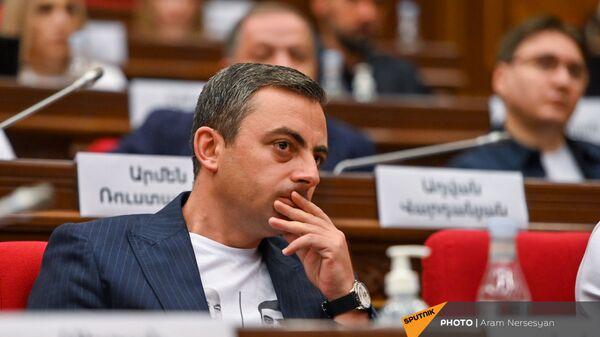 Ишхан Сагателян во время первого заседания парламента Армении 8-го созыва (2 августа 2021). Еревaн - Sputnik Армения