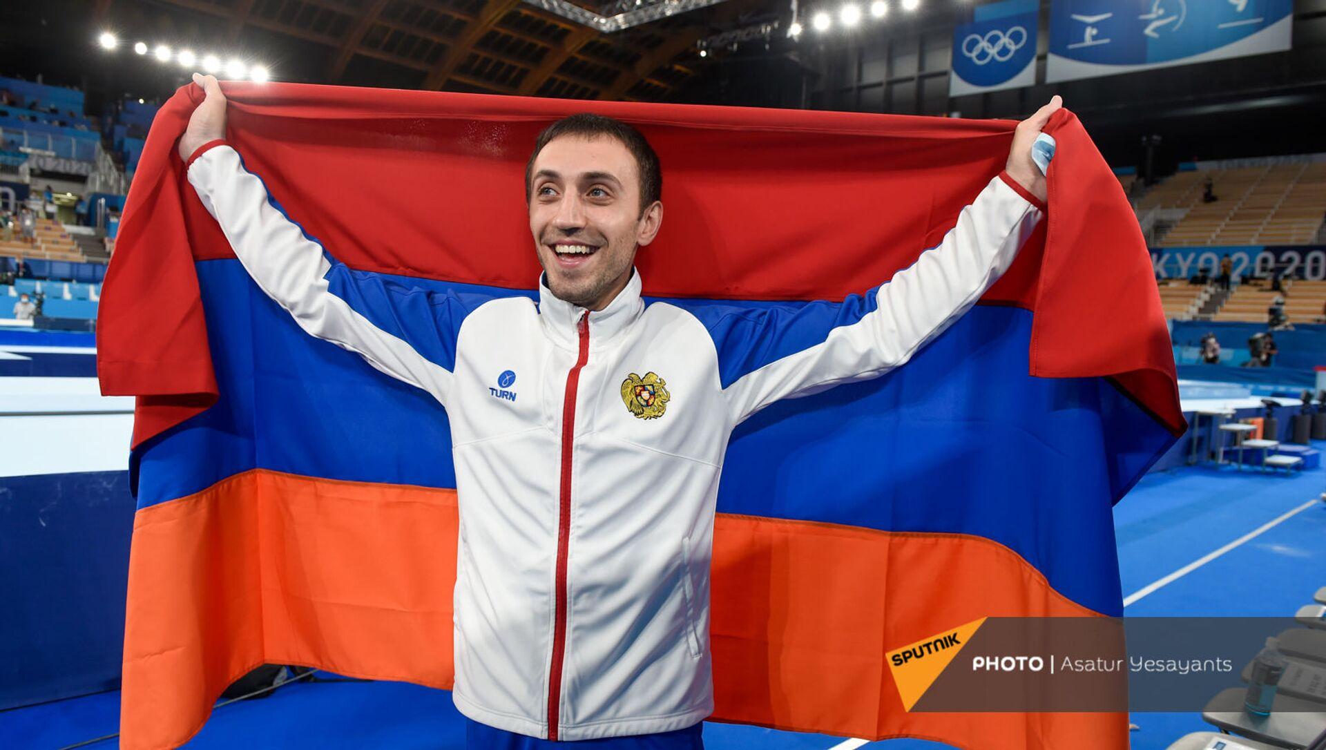 Гимнаст Артур Давтян празднует победу на XXXII летних Олимпийских играх (2 августа 2021). Токио - Sputnik Արմենիա, 1920, 02.08.2021