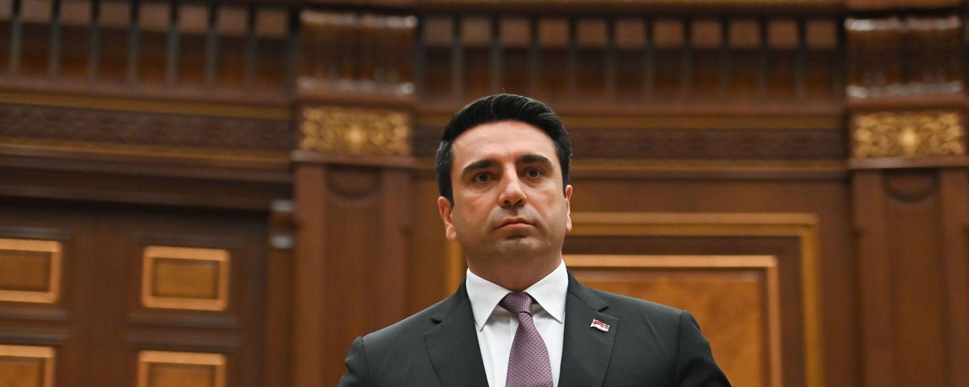 Ален Симонян во время первого заседания парламента Армении 8-го созыва (2 августа 2021). Еревaн - Sputnik Արմենիա, 1920, 04.08.2021