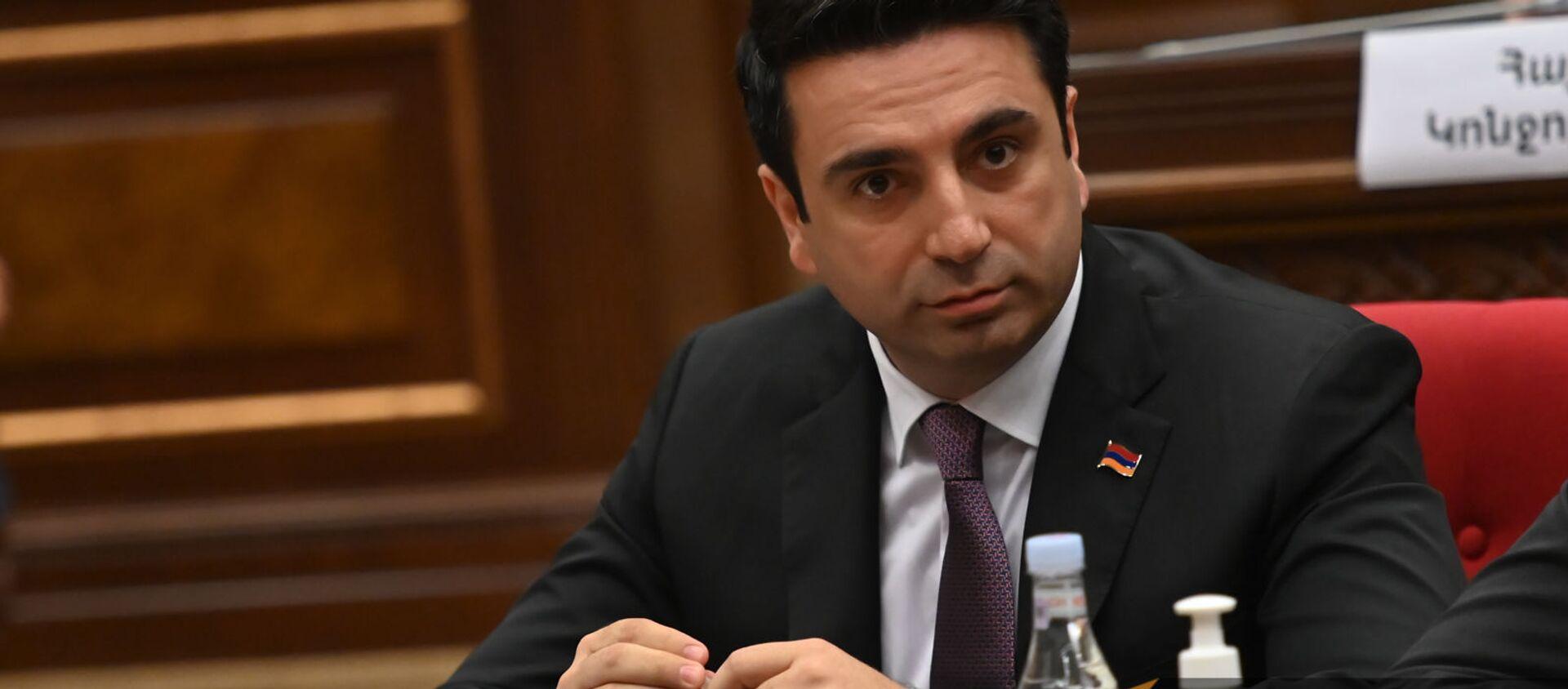Ален Симонян во время первого заседания парламента Армении 8-го созыва (2 августа 2021). Еревaн - Sputnik Արմենիա, 1920, 23.08.2021