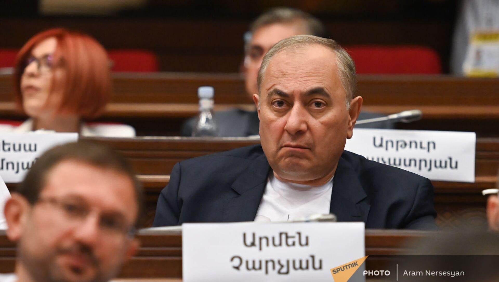 Армен Чарчян во время первого заседания парламента Армении 8-го созыва (2 августа 2021). Еревaн - Sputnik Արմենիա, 1920, 02.08.2021