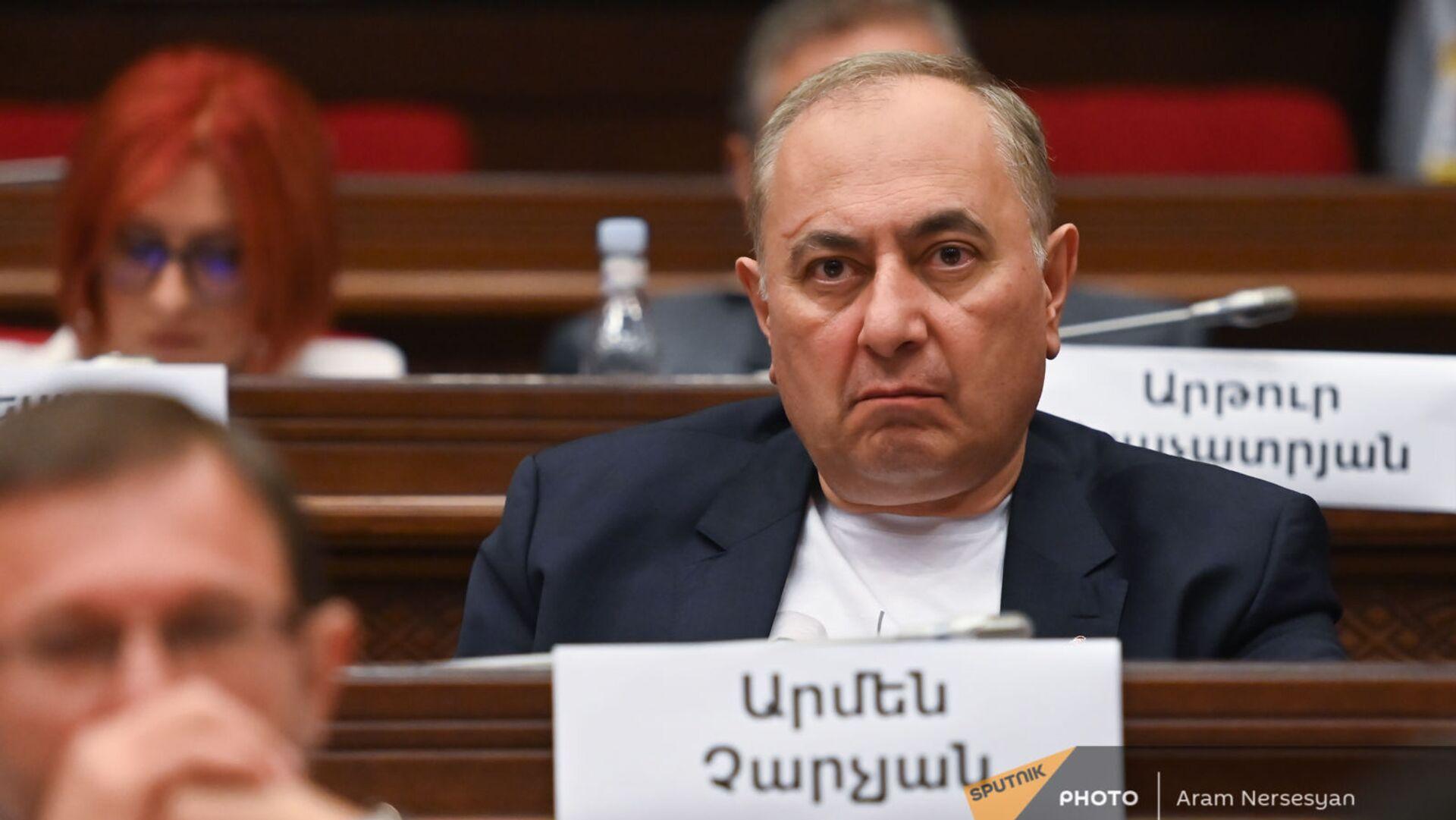 Армен Чарчян во время первого заседания парламента Армении 8-го созыва (2 августа 2021). Еревaн - Sputnik Արմենիա, 1920, 03.09.2021