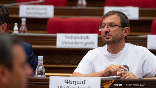 Гегам Манукян во время первого заседания парламента Армении 8-го созыва (2 августа 2021). Еревaн - Sputnik Արմենիա