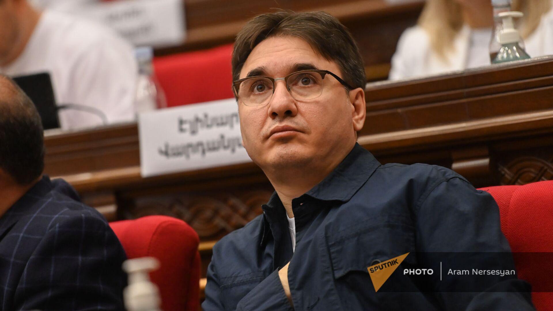 Армен Геворгян во время первого заседания парламента Армении 8-го созыва (2 августа 2021). Еревaн  - Sputnik Արմենիա, 1920, 10.08.2021