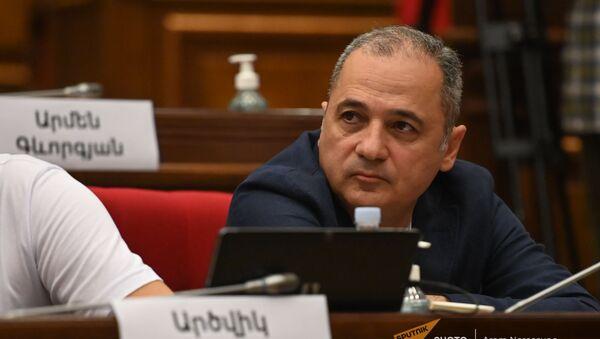 Ваге Акопян во время первого заседания парламента Армении 8-го созыва (2 августа 2021). Еревaн - Sputnik Արմենիա