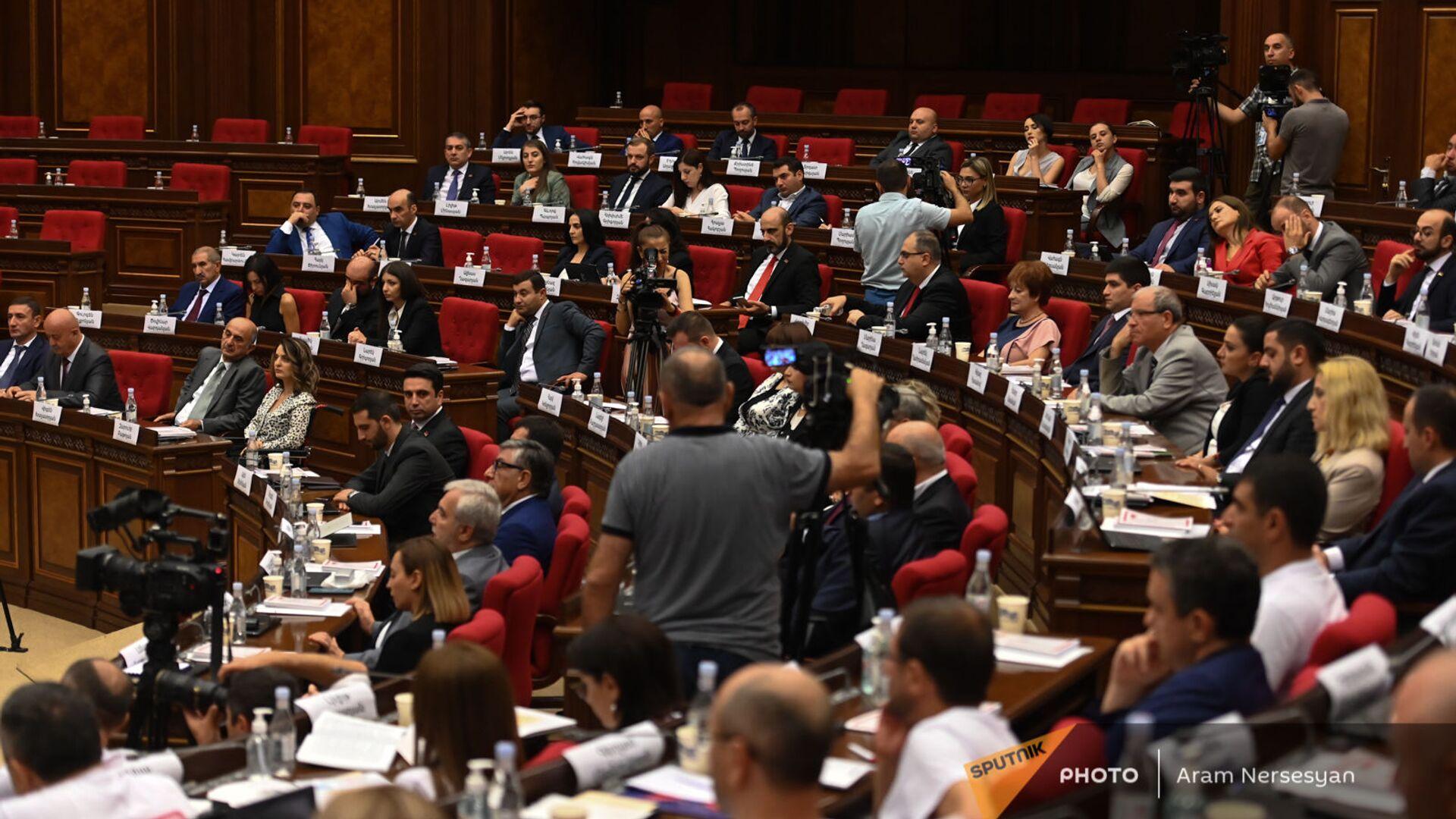 Первое заседание парламента Армении 8-го созыва (2 августа 2021). Еревaн - Sputnik Արմենիա, 1920, 03.08.2021