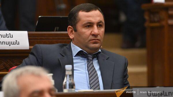 Матевос Асатрян во время первого заседания парламента Армении 8-го созыва (2 августа 2021). Еревaн - Sputnik Армения