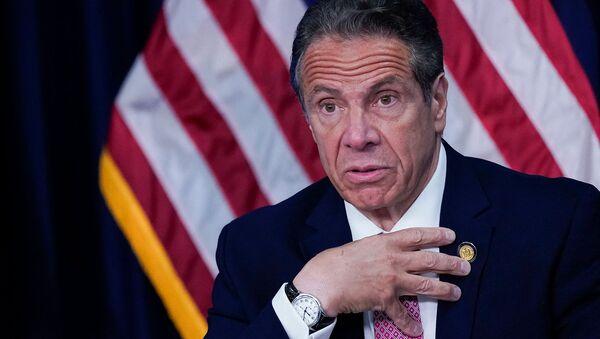 Губернатор Нью-Йорка Эндрю Куомо выступает во время пресс-конференции (10 мая 2021). Нью-Йорк - Sputnik Армения