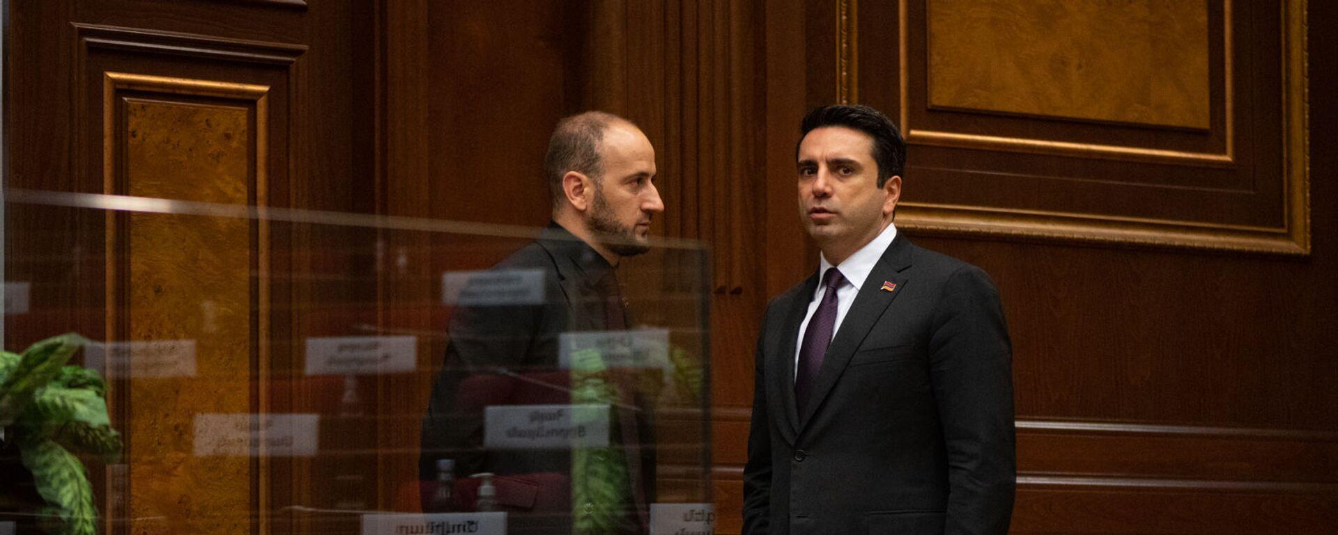 Սիսակ Գաբրիելյանն ու Ալեն Սիմոնյանը - Sputnik Արմենիա, 1920, 12.10.2021