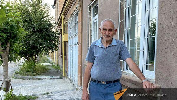 Строитель-каменщик с 60-летним стажем Сурен Хачатрян из Гюмри - Sputnik Արմենիա