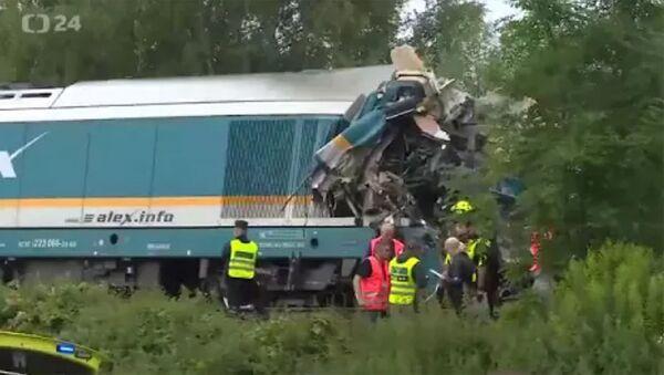 В Чехии столкнулись два пассажирских поезда, есть погибшие - Sputnik Армения