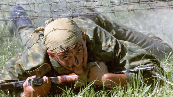Боец разведподразделения 149-го мотострелкового полка 201-й мотострелковой дивизии ВС РФ - Sputnik Армения