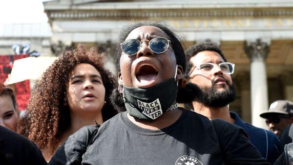 Протесты против полицейского произвола в Великобритании - Sputnik Армения