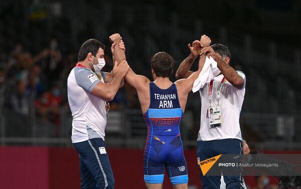 Вазген Теванян на ковре готовится к поединку во время Олимпийских игр (6 августа 20201). Токио - Sputnik Արմենիա
