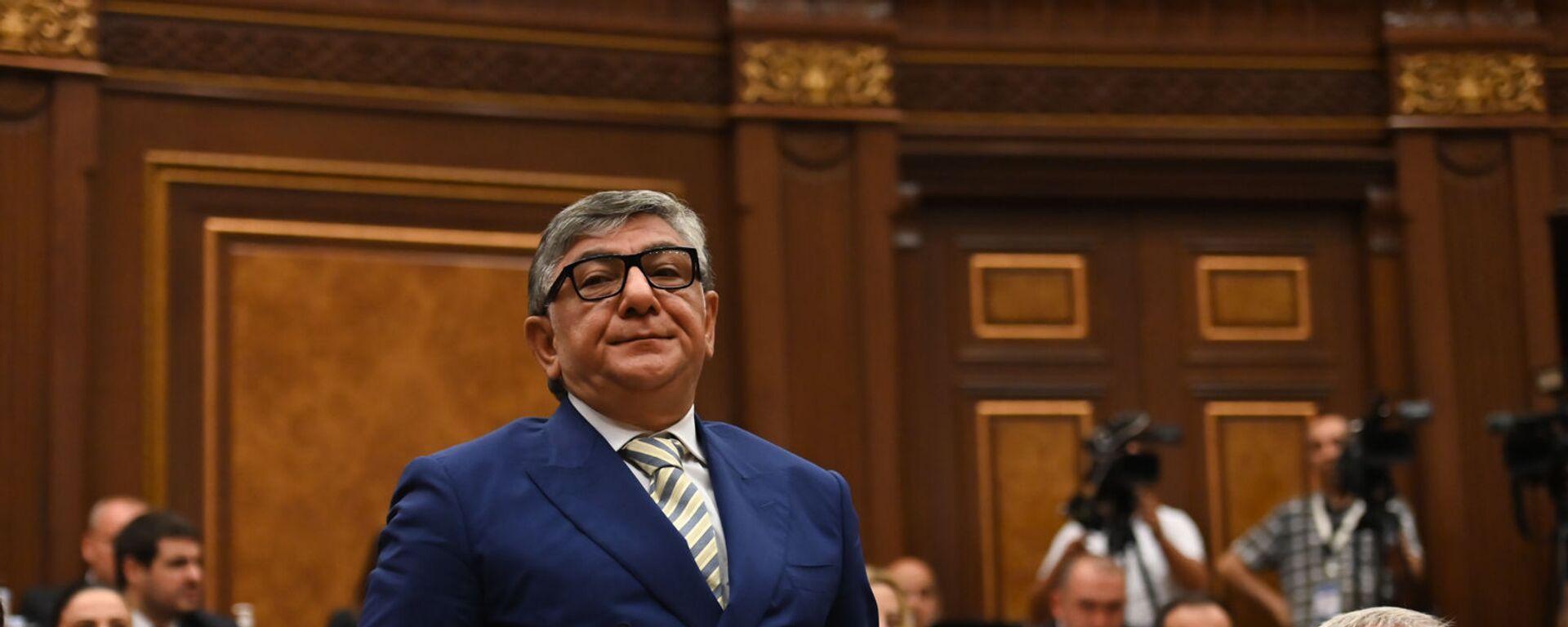 Хачатур Сукиасян во время первого заседания парламента Армении 8-го созыва (2 августа 2021). Еревaн - Sputnik Армения, 1920, 10.09.2021