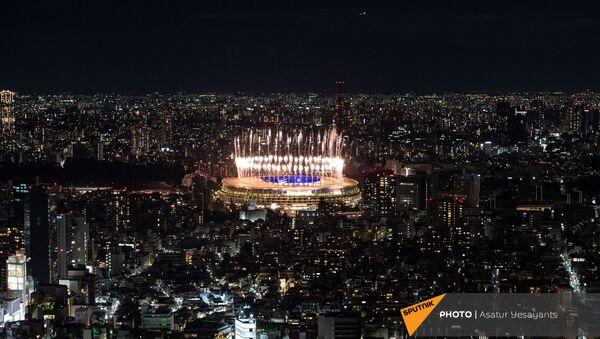 Салют во время торжественной церемонии закрытия XXXII летних Олимпийских игр в Токио - Sputnik Армения
