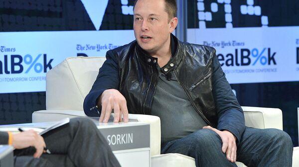Генеральный директор SpaceX и Tesla Motors Илон Маск на конференции DealBook в New York Times 2013 (12 ноября 2013). Нью-Йорк - Sputnik Армения