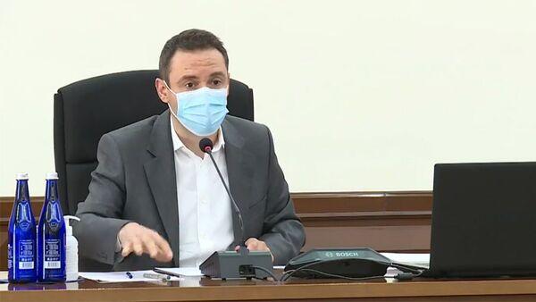 Мэр Еревана Айк Марутян на внеочередном заседании Совета старейшин (10 августа 2021). Еревaн - Sputnik Армения