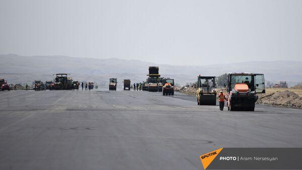 Масштабные строительные работы в аэропорту Ширака - Sputnik Армения