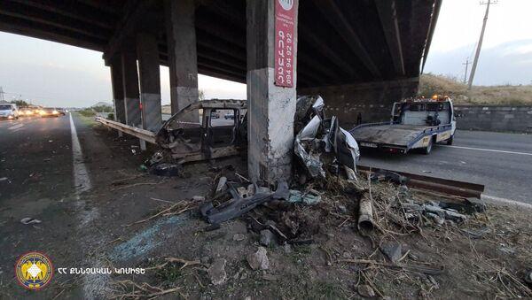 Дорожно-транспортное происшествие с летальным исходом на трассе M-4 (9 августа 2021). Котайк - Sputnik Армения