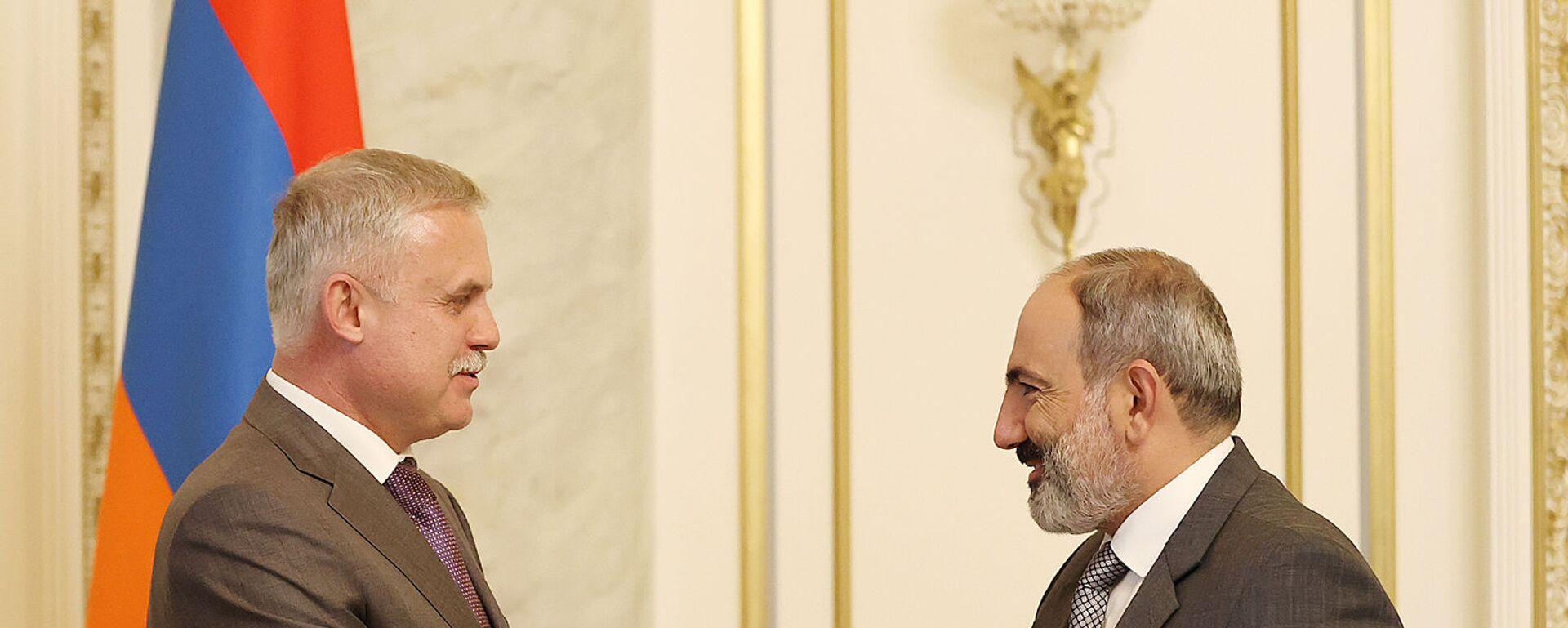 Премьер-министр Никол Пашинян встретился с генеральным секретарем ОДКБ Стансилавом Засем (10 августа 2021). Еревaн - Sputnik Արմենիա, 1920, 10.08.2021