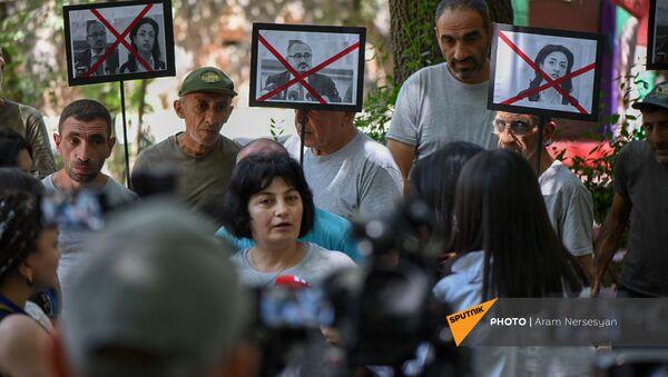 Акция протеста сотрудников Ереванского зоопарка против бывшего директора (11 августа 2021). Еревaн - Sputnik Армения