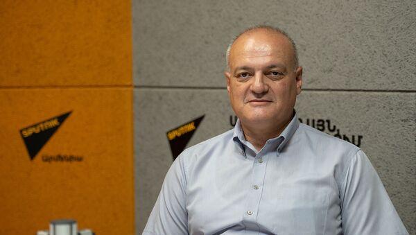 Политолог Виген Акопян в гостях радио Sputnik - Sputnik Армения