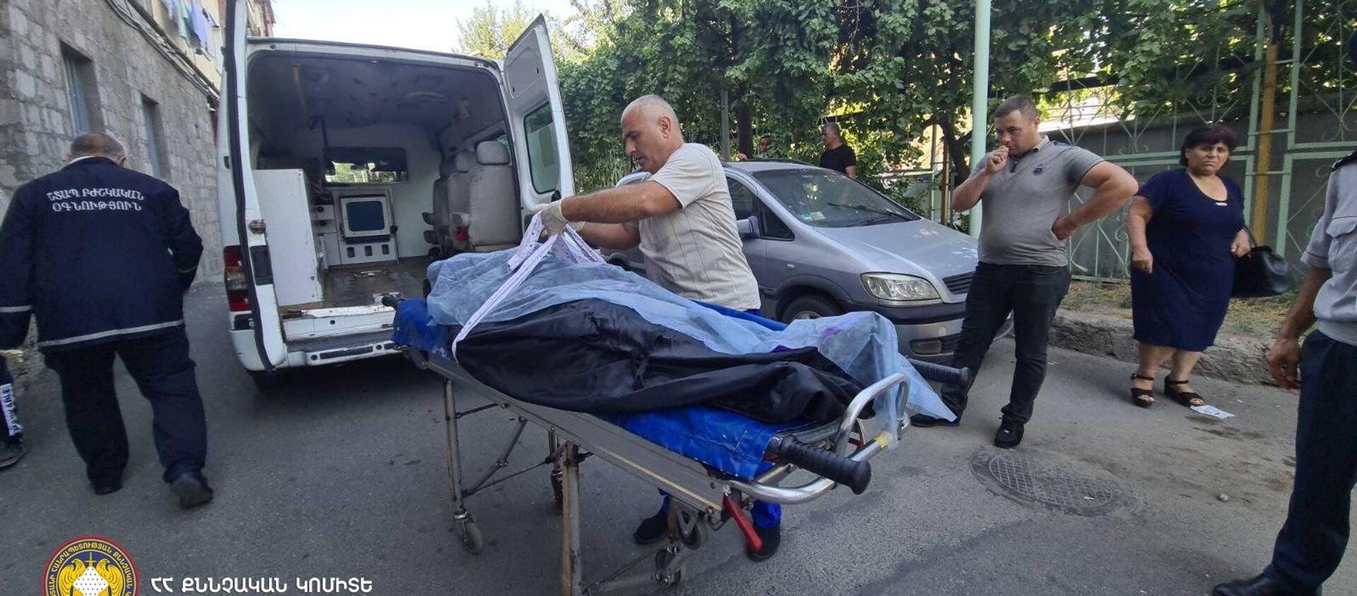Управление полиции Шенгавита проводит арест 33-летнего жителя Еревана в связи с подозрением на убийство жены (11 августа 2021). Еревaн - Sputnik Արմենիա, 1920, 11.08.2021