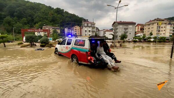 Сильное наводнение в Турции - Sputnik Армения