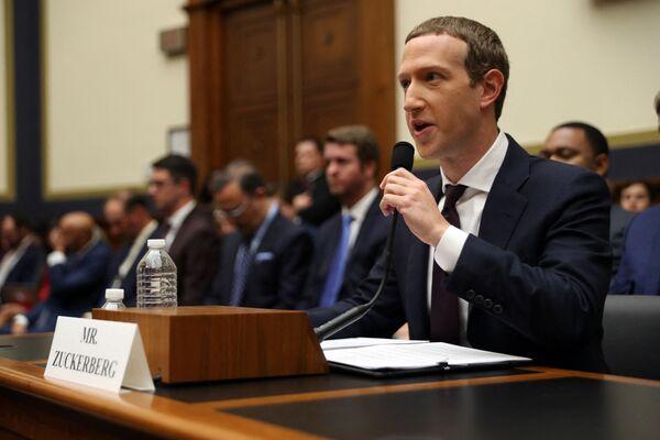 Facebook-ի համահիմնադիր և գլխավոր տնօրեն Մարկ Ցուկերբերգը - Sputnik Արմենիա