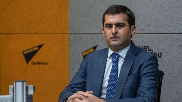 Вице-спикер Парламента Армении Акоб Аршакян в гостях радио Sputnik - Sputnik Армения