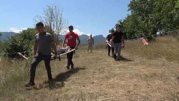 Российские миротворцы провели курс молодого бойца с основами выживания в горах для детей со всех районов Карабаха - Sputnik Армения