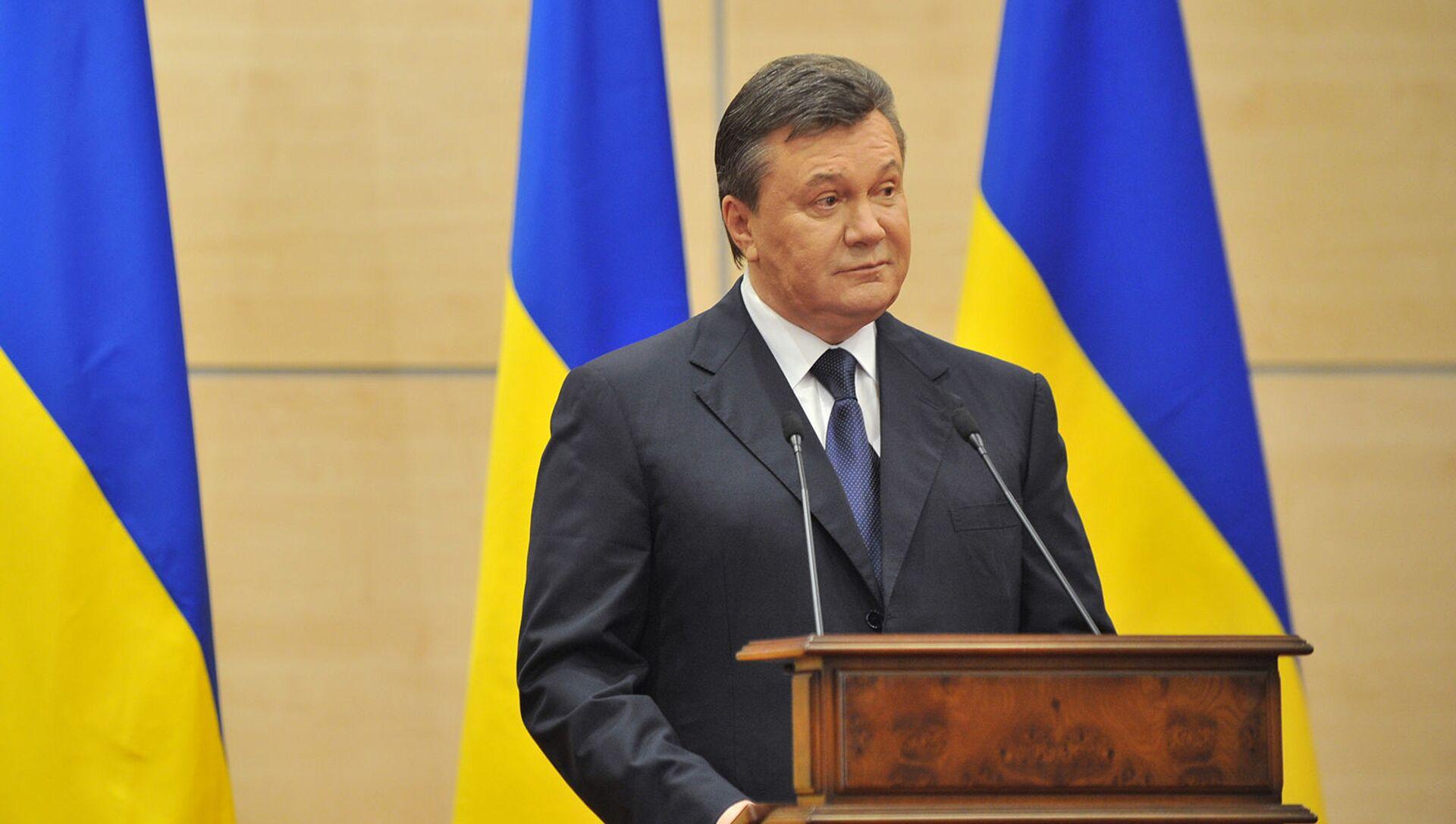Виктор Янукович, объявивший себя ранее легитимным президентом Украины, выступает на пресс-конференции (11 марта 2014). Ростов-на-Дону - Sputnik Армения, 1920, 17.08.2021