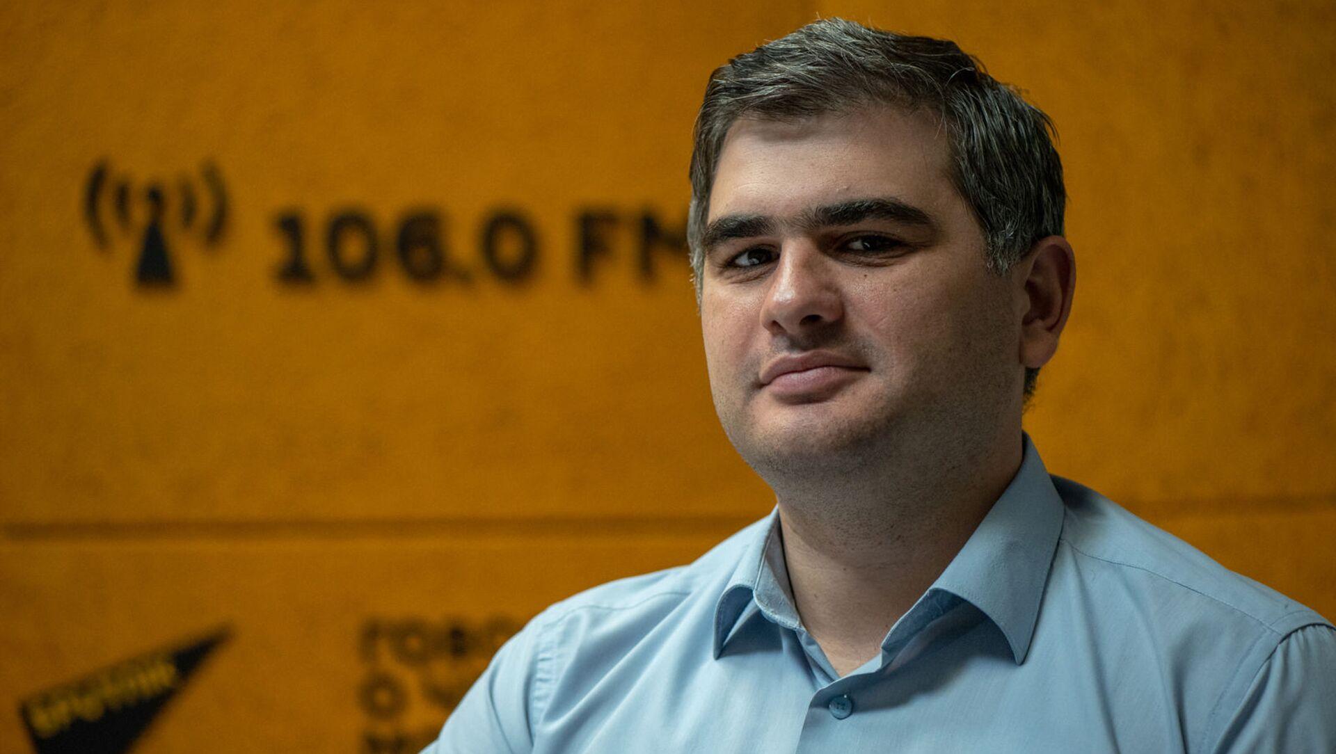 Экономист Сурен Парсян в гостях радио Sputnik - Sputnik Արմենիա, 1920, 30.08.2021