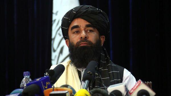 Представитель движения Талибан Забиулла Муджахид во время пресс-конференции в Кабуле (17 августа 2021). Афганистан - Sputnik Армения