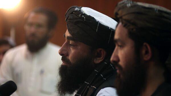 Представитель движения Талибан Забиулла Муджахид во время пресс-конференции в Кабуле (17 августа 2021). Афганистан - Sputnik Արմենիա