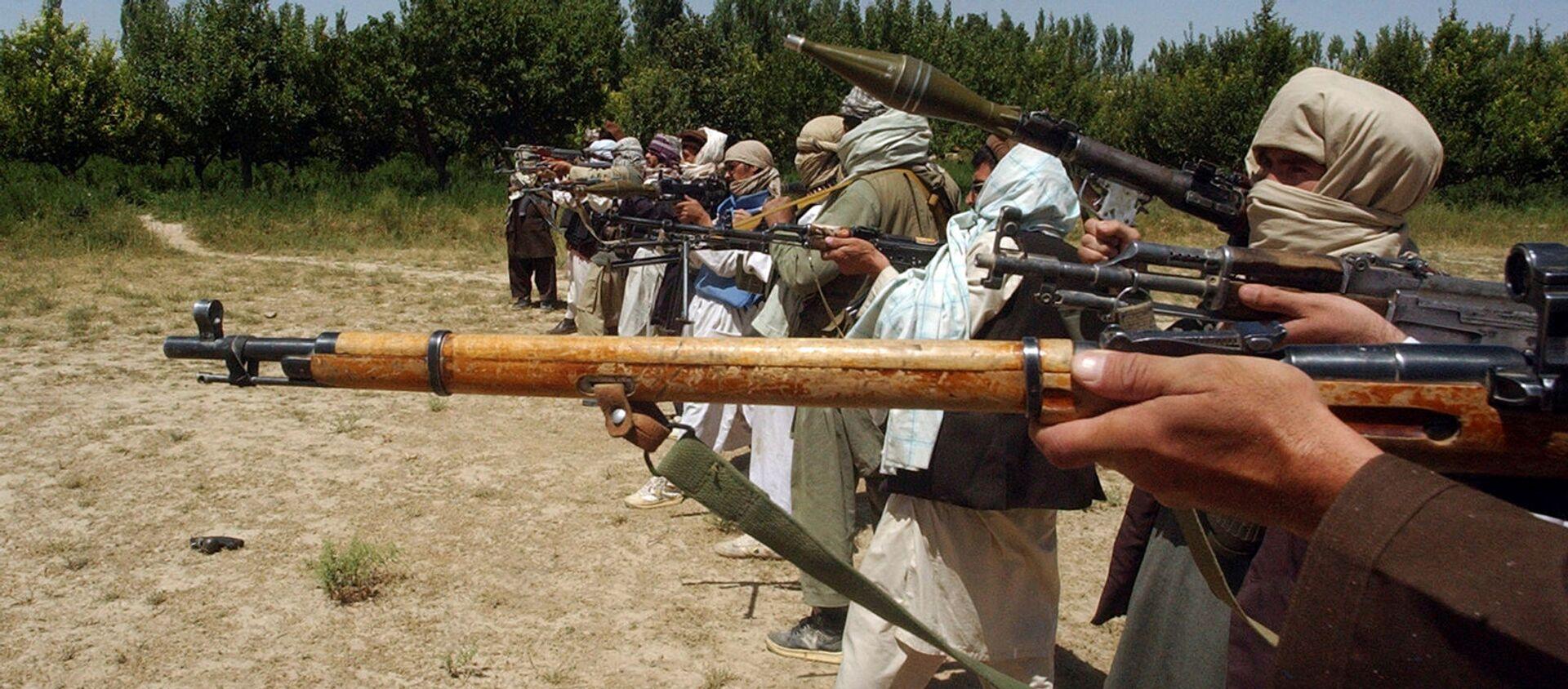 Боевики Талибана тренируются с оружием в Афганистане - Sputnik Արմենիա, 1920, 05.09.2021