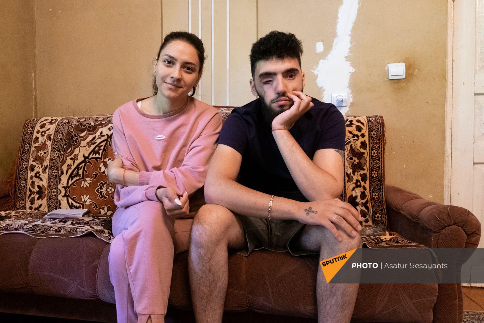 Вреж Бадалян с женой Кристиной - Sputnik Արմենիա, 1920, 14.09.2021