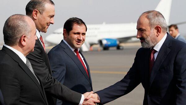 Премьер-министр Никол Пашинян возвратился из Кыргызстана, где проходило заседание межправительственного совета ЕАЭС (20 августа 2021). Еревaн - Sputnik Արմենիա