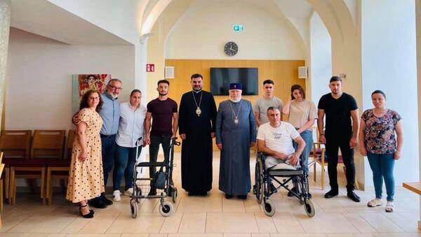 Его Святейшество Гарегин II встретился с солдатами и членами их семей, тяжело раненными в ходе последней карабахской войны (21 августа 2021). Вена - Sputnik Армения