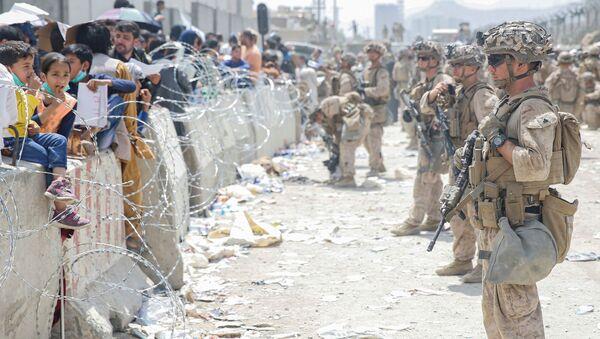 Американские солдаты в аэропорту Кабула  - Sputnik Армения