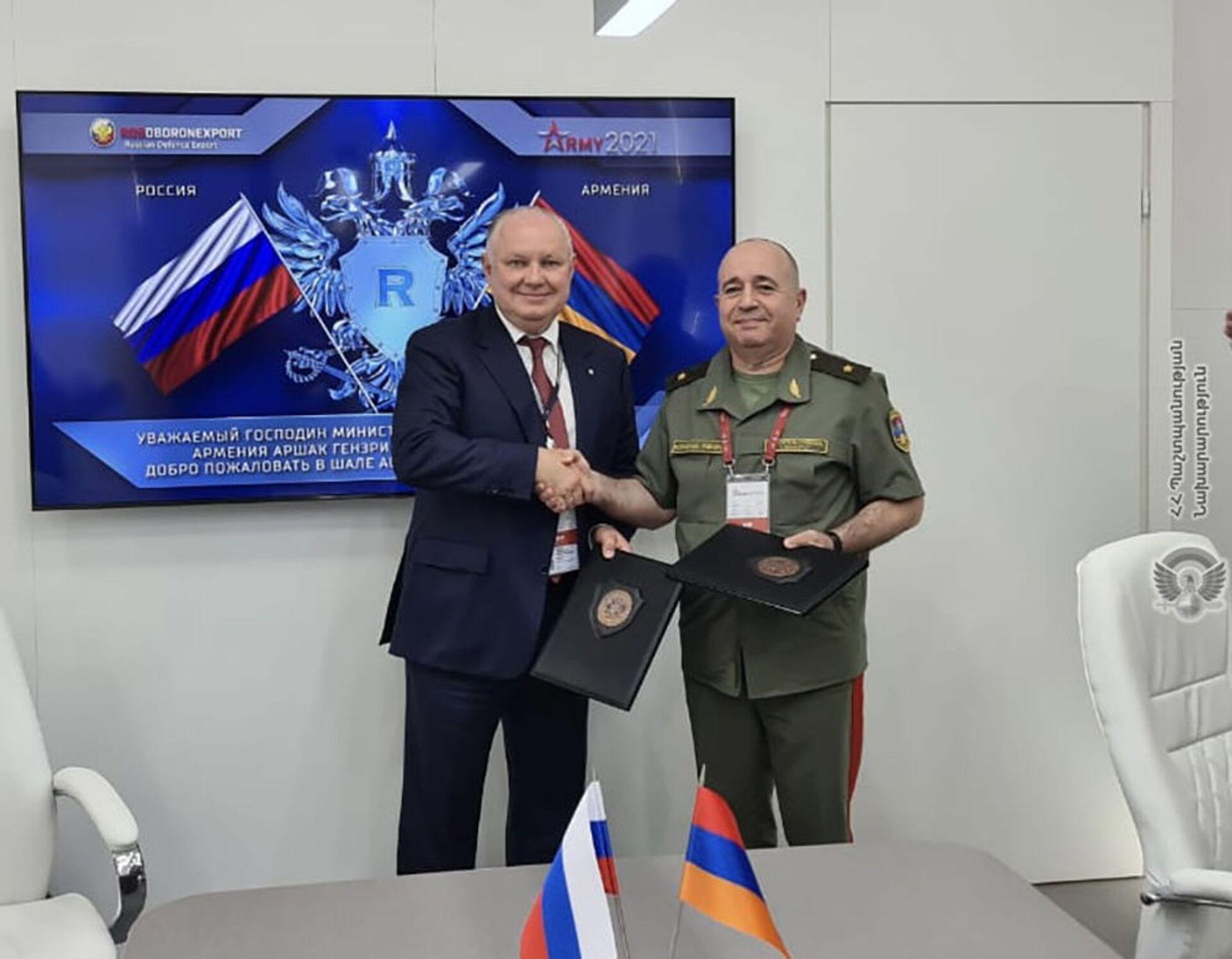 Министр обороны РА Аршак Карапетян принял участие в церемонии открытия военно-промышленной выставки «Армия-2021»  - Sputnik Արմենիա, 1920, 14.09.2021