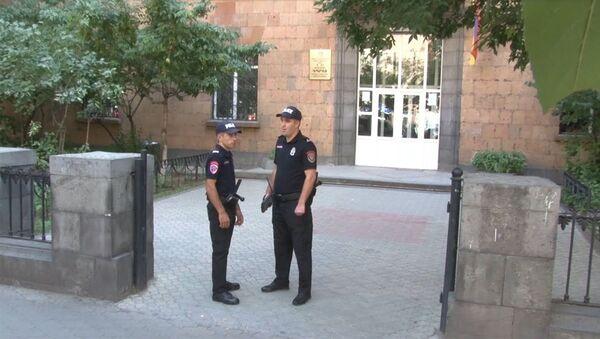 Ուսումնական տարվա մեկնարկի կապակցությամբ ոստիկանությունն անցնում է ուժեղացված ծառայության - Sputnik Արմենիա