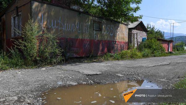 Домики по соседству со спортивной школой - Sputnik Армения
