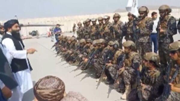 Силы талибов взяли под контроль аэропорт Кабула - Sputnik Армения