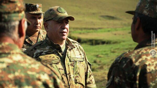 Министр обороны Аршак Карапетян посетил ряд воинских частей - Sputnik Արմենիա