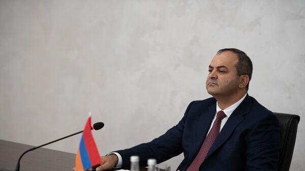 Արթուր Դավթյան - Sputnik Արմենիա