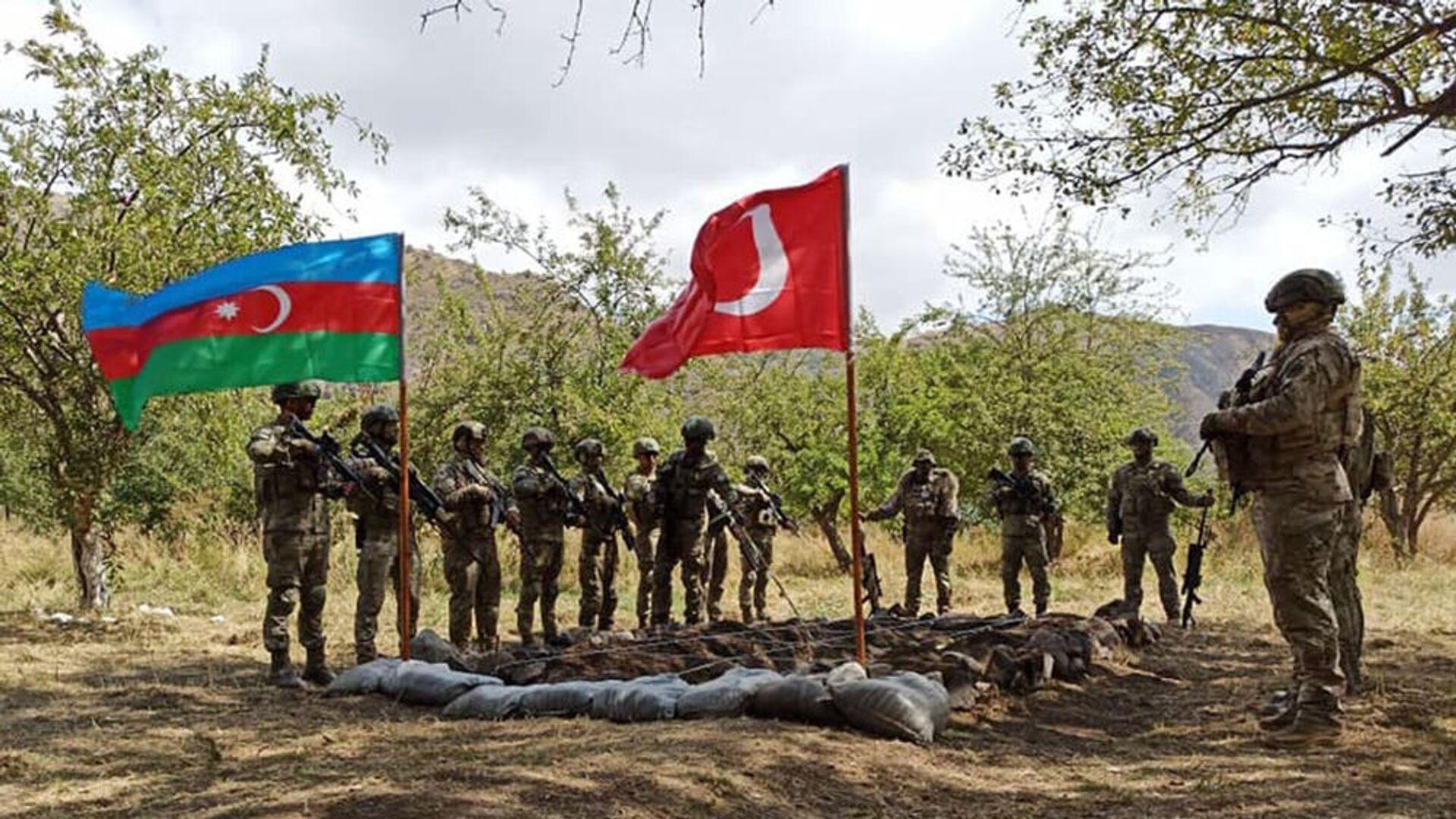 Первые военные учения Турции и Азербайджана в Карабахе - Sputnik Армения, 1920, 20.09.2021